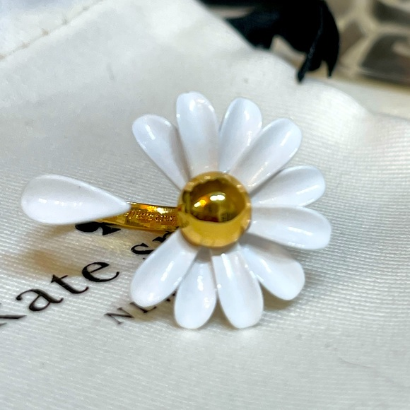 KATE ♠️ SPADE Dazzling Daisies Into The Bloom Ring